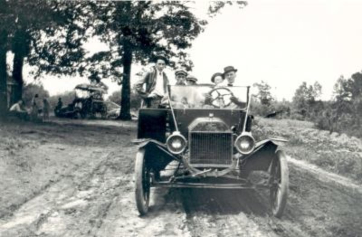 Punch Hunter, Tom Watkins and Ralph Hunter in old Ford
