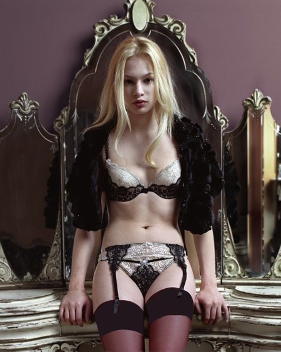 Image from stockingirl.com, your source for hot stockings.