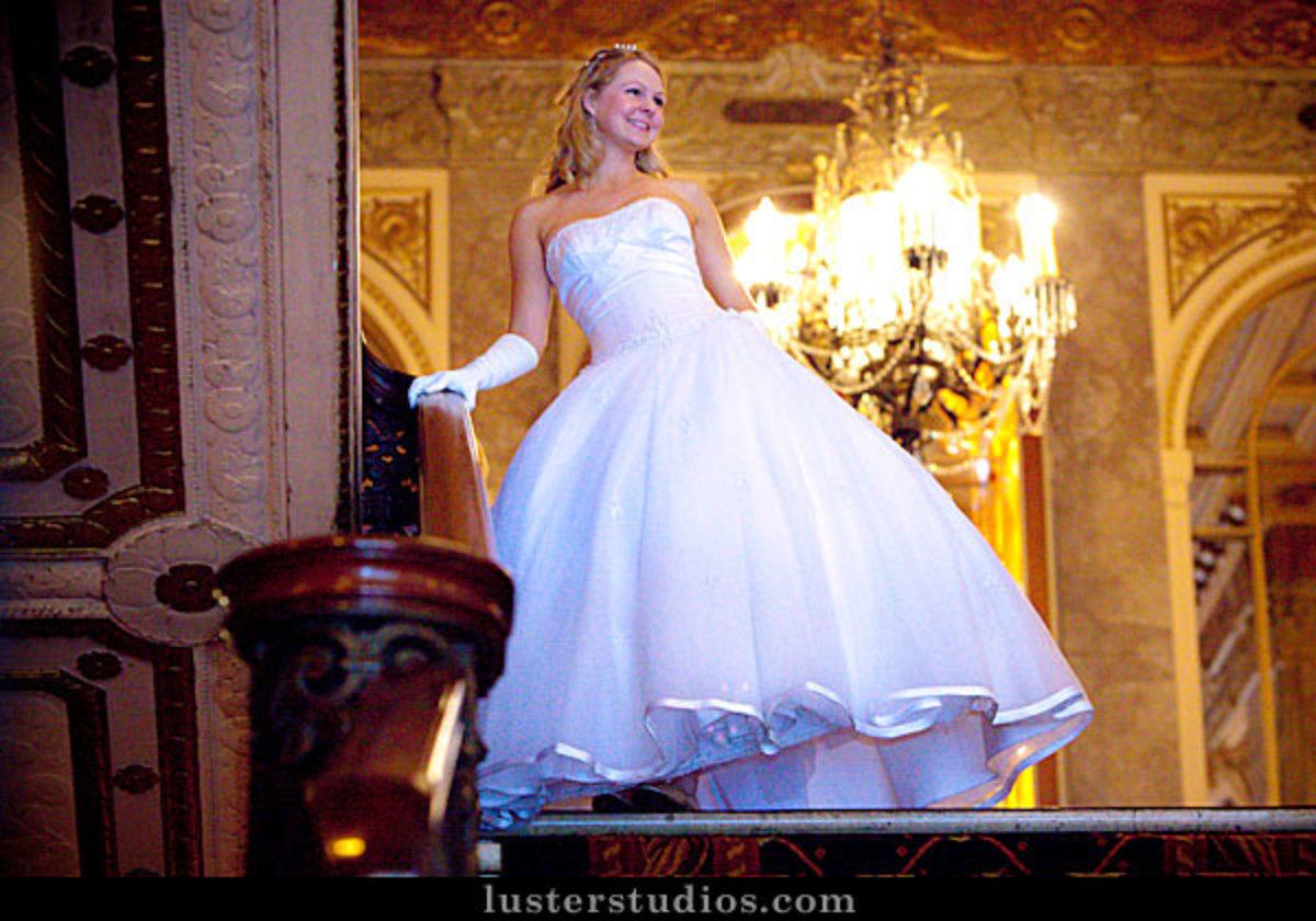 Fairytale wedding dress idea [lusterstudios.com]