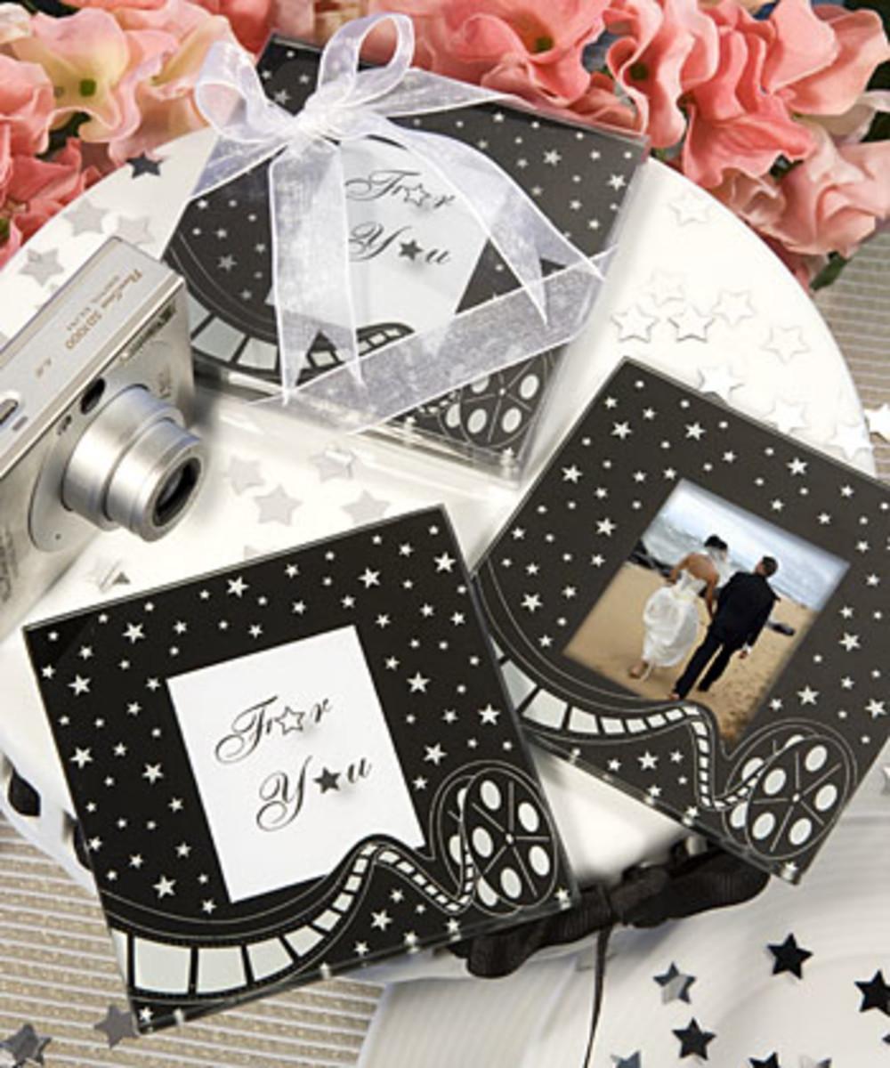 Glamorous Hollywood wedding theme invitations and decorations [hotref.com]