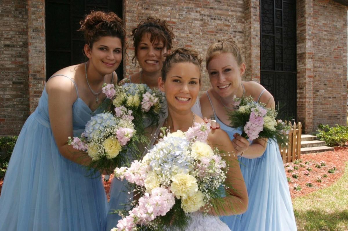 Pale bluethemed wedding idea pashweddingscom