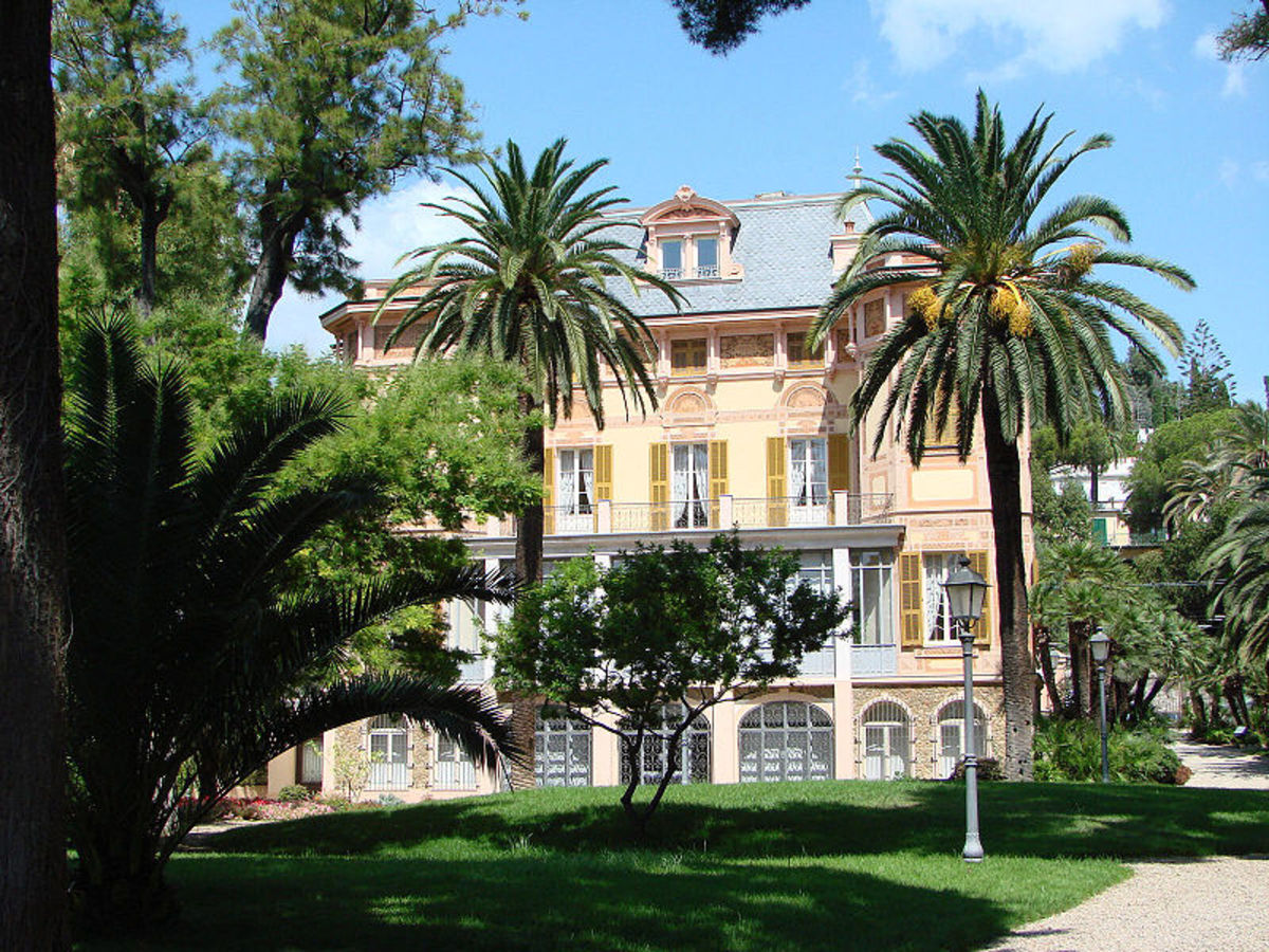 Nobel's villa, San Remo, Italy.  Image courtesy Samuele and Wikipedia Commons.