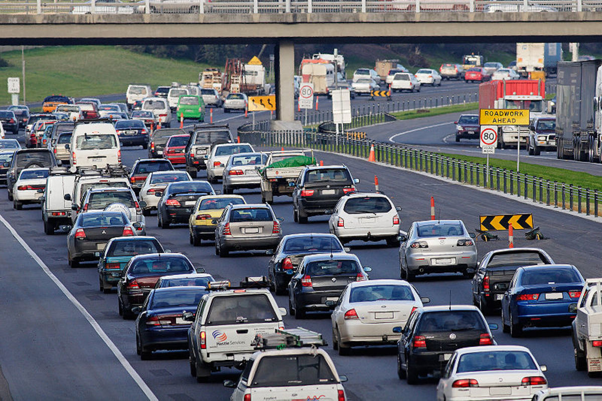 Peak hour in Melbourne.  Image by Fir0002/Flagstaffotos.  License:  http://commons.wikimedia.org/wiki/File:Peak_hour_traffic_in_melbourne.jpg