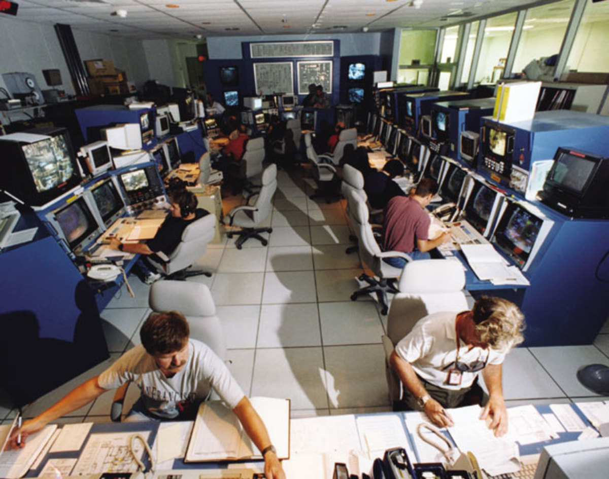 JACADS control room, as officials on Johnston Atoll use computer power to monitor and control the disposal of chemical weapons.  Image courtesy U.S. Army Chemical Materials Agency and Wikipedia.