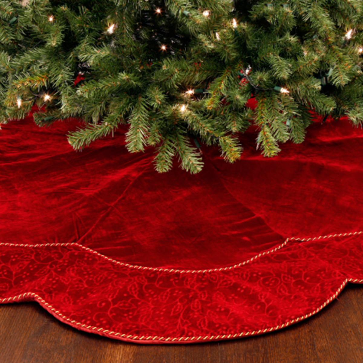redchristmastreeskirt