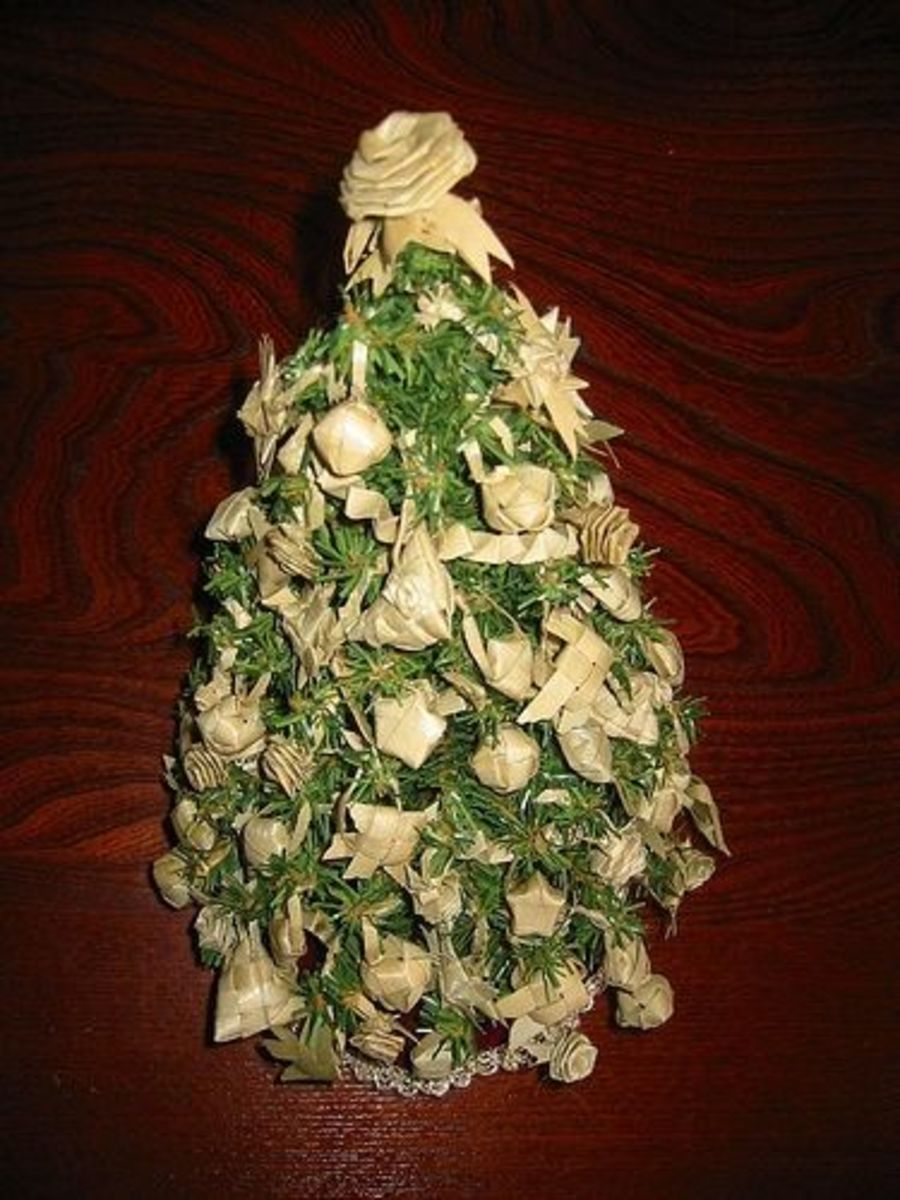 Miniature Lauhala Ornament Hawaii Christmas Tree