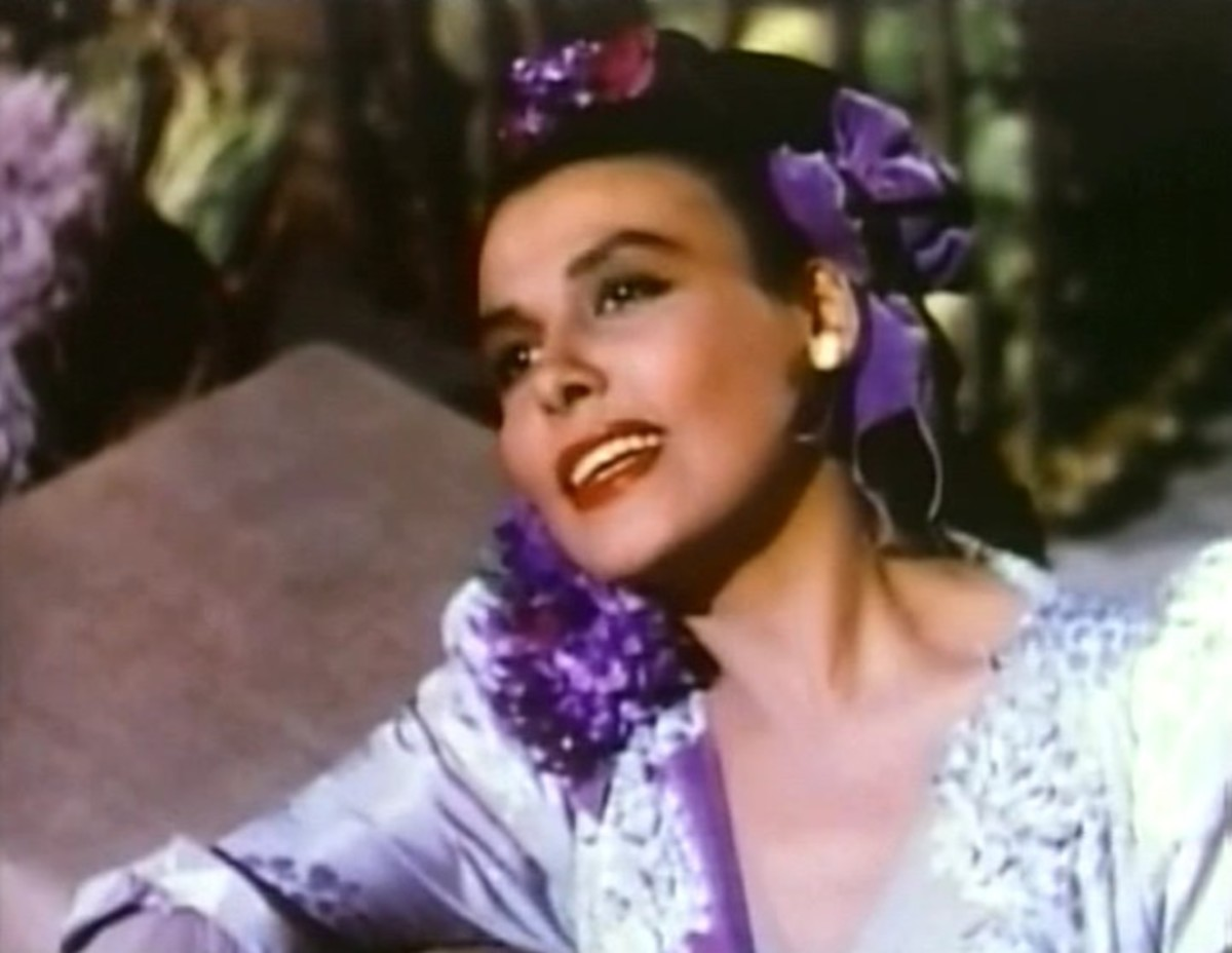 Singing icon Lena Horne in a 1946 film. Ms. Horne often performed at the Cotton Club, where African Amrican Dancers were also light-skinned, some with fair hair.
