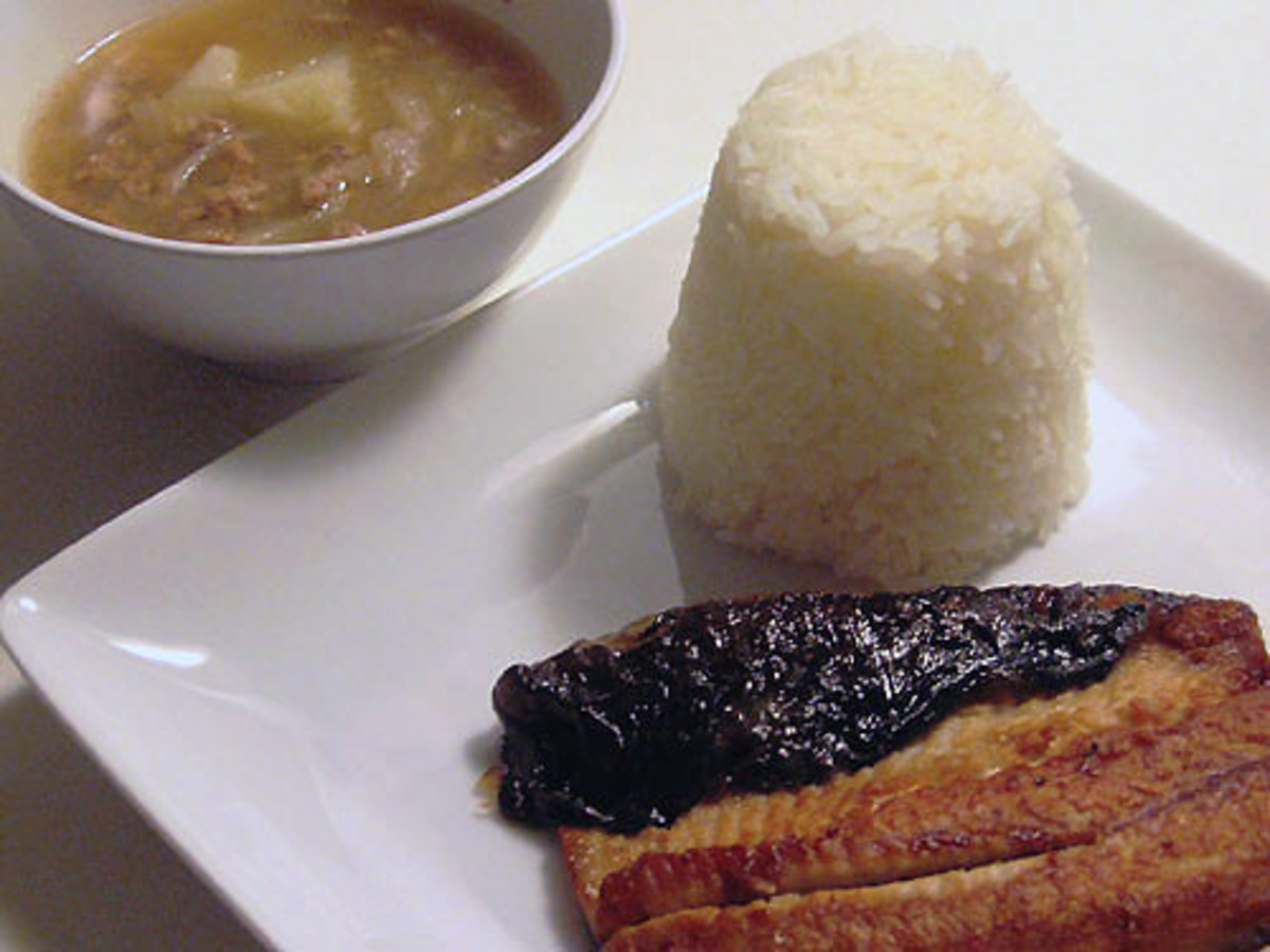 Fried Milkfish Belly with Rice and Broth (Photo courtesy by museinthecity from Flickr.com)