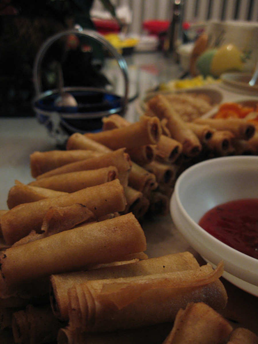 Lumpia Shanghai - Fried Spring Roll (Photo courtesy by VirtualErn from Flickr.com)
