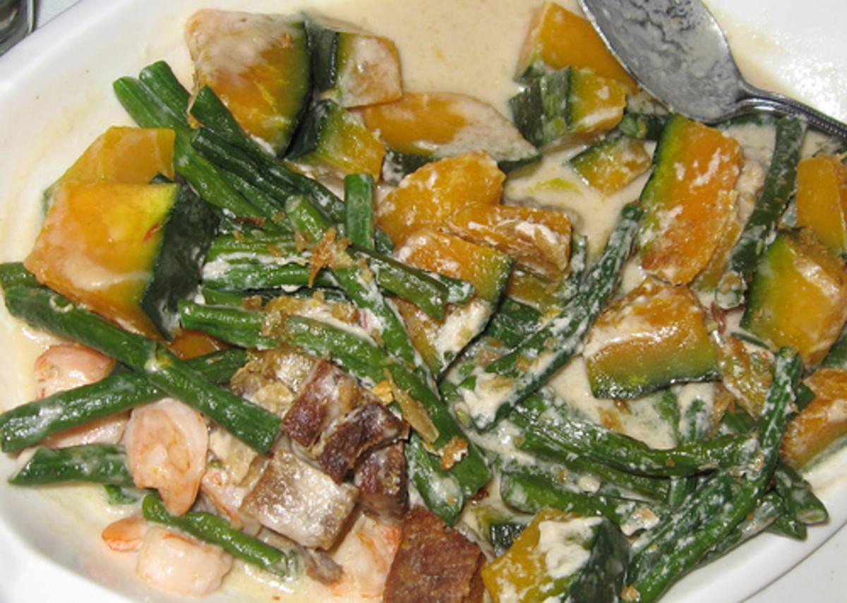 Ginataang Sitaw at Kalabasa - String Beans and Squash Sauteed in Coconut Milk (Photo courtesy by arnold|inuyaki from Flickr.com)