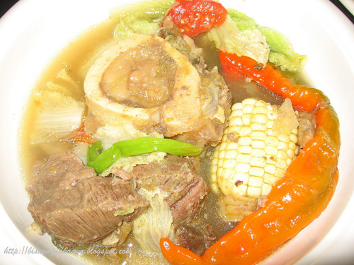 Beef Bulalo - Beef Shank and Bone Soup (Photo courtesy by Taga-Luto from Flickr.com)
