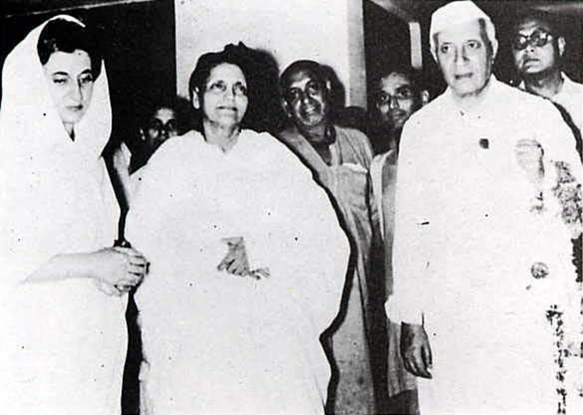 Sri Ma with Indira Gandhi and J. Nehru