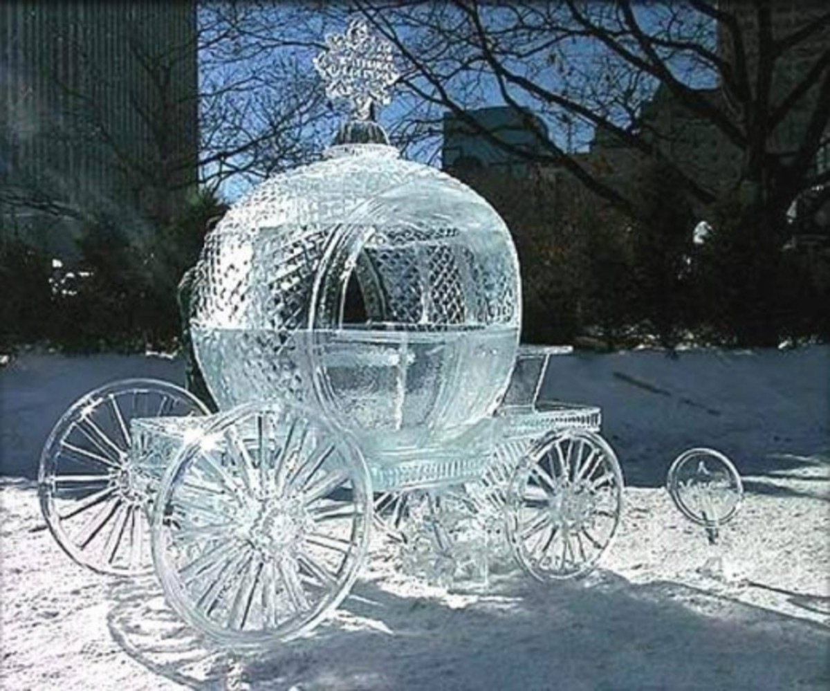 Full size Coach Ice Sculpture