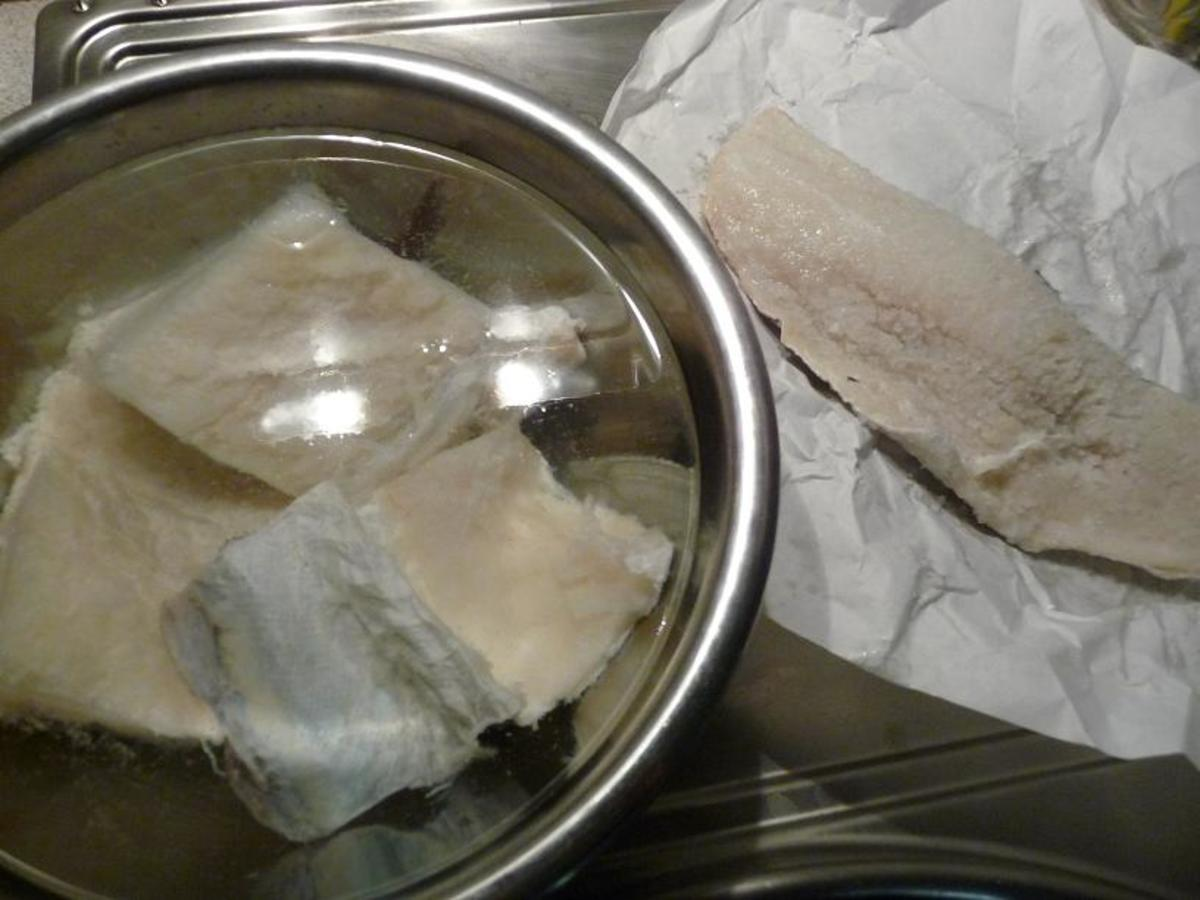 Right: codfish soaking / Left: codfish fillet