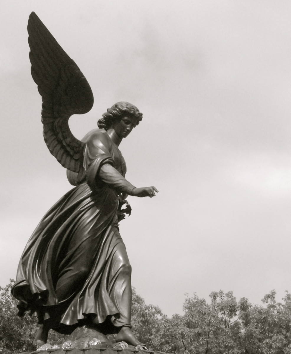 The tragic beauty of Audrey Munson is immoralized in New York's hallmark statues.