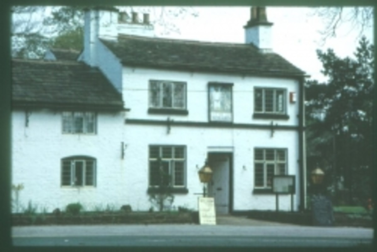 Public domaine image: The Wizard Inn, Macclesfield Road, Alderley Edge.