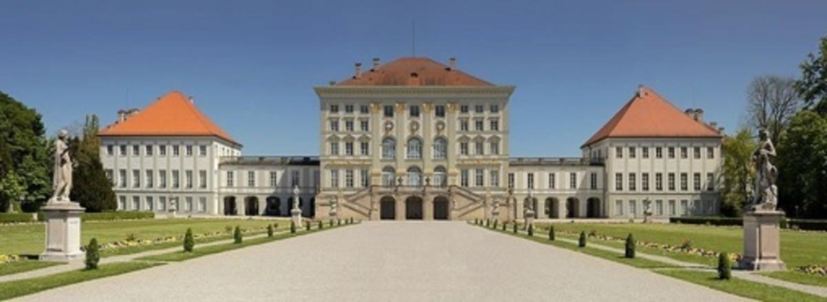 Schloss Nymphenburg (above) (1675) in Munich