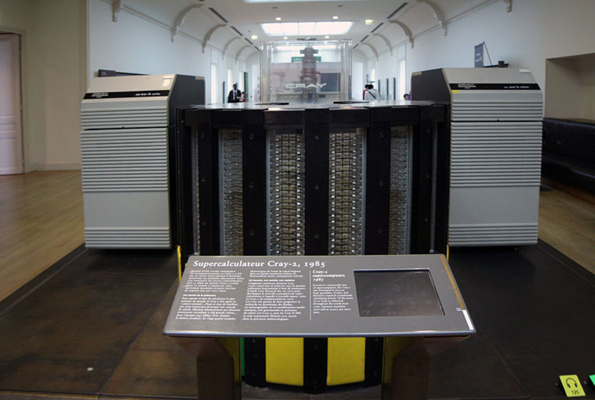 A Cray Supercomputer from 1985. Not made in France, but used there. Another earth-shaking invention contributing to discoveries in meteorology, medicine, astronomy and space exploration, and code-breaking.