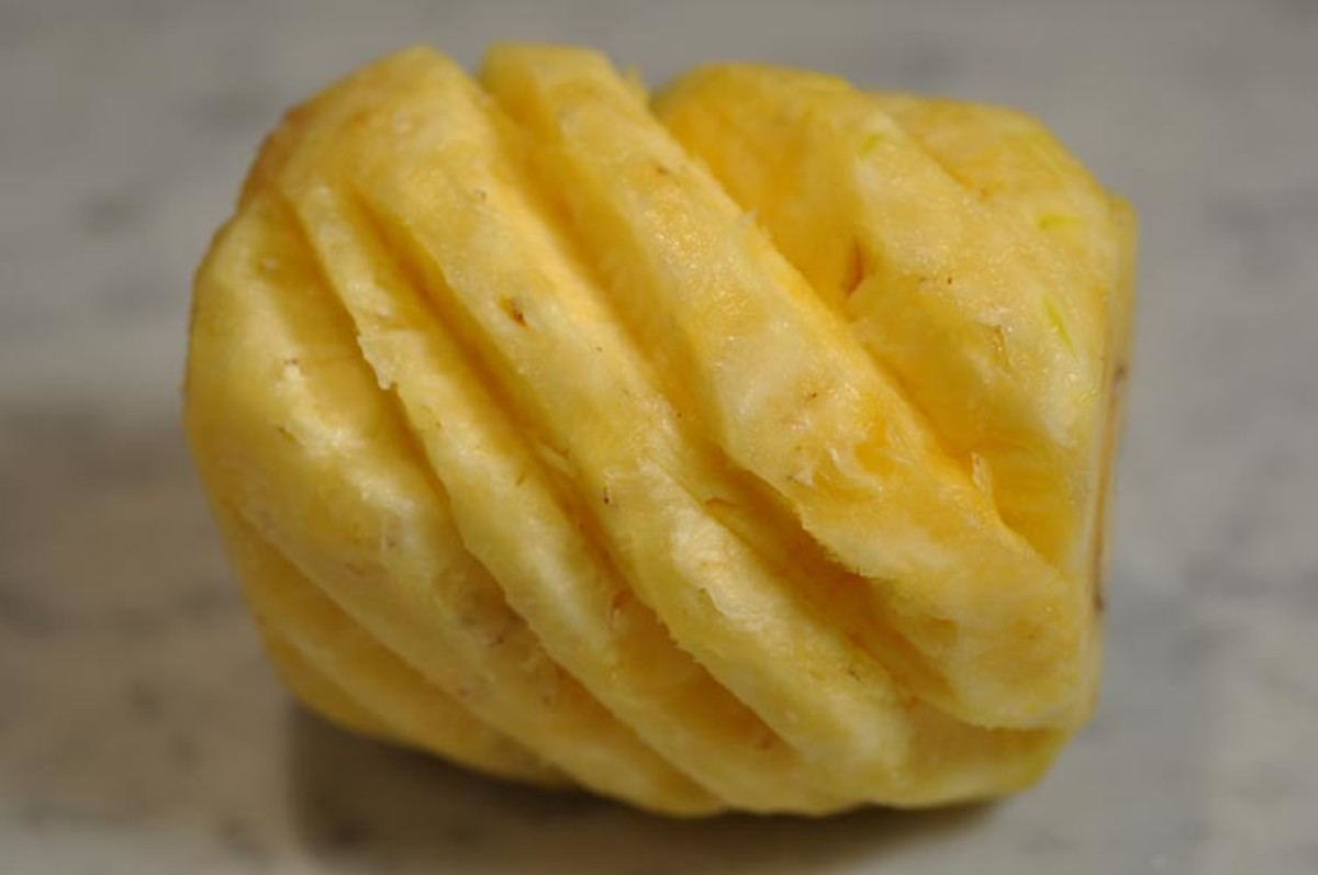 Correctly peeled pineapple - without wastage! Image:  Siu Ling Hui