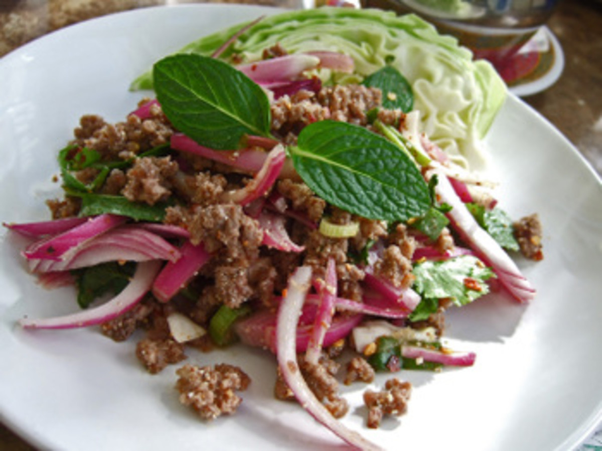 Larb Nuea - Spicy Minced Beef Salad