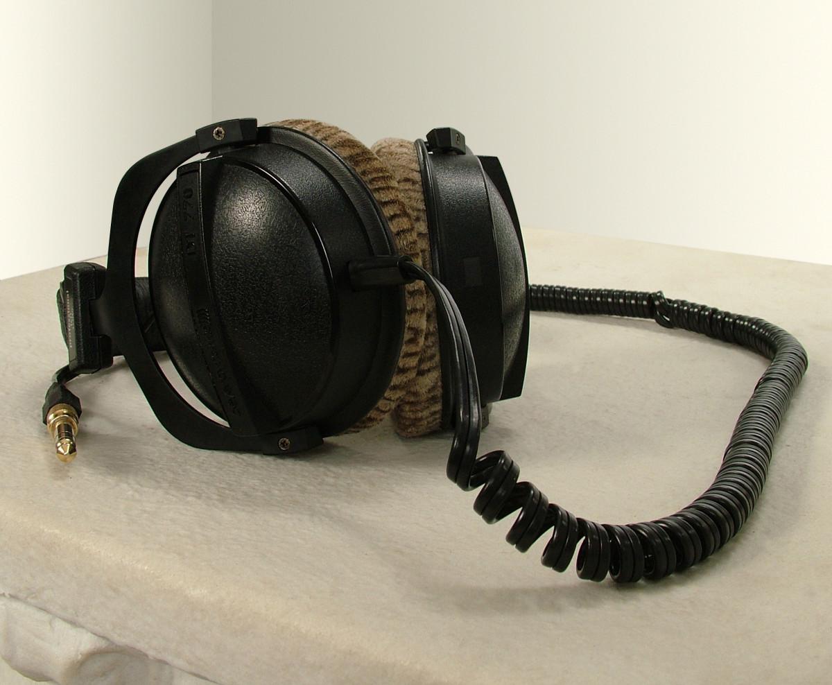 Binaural Recordings: Virtual 3D Surround Sound Examples