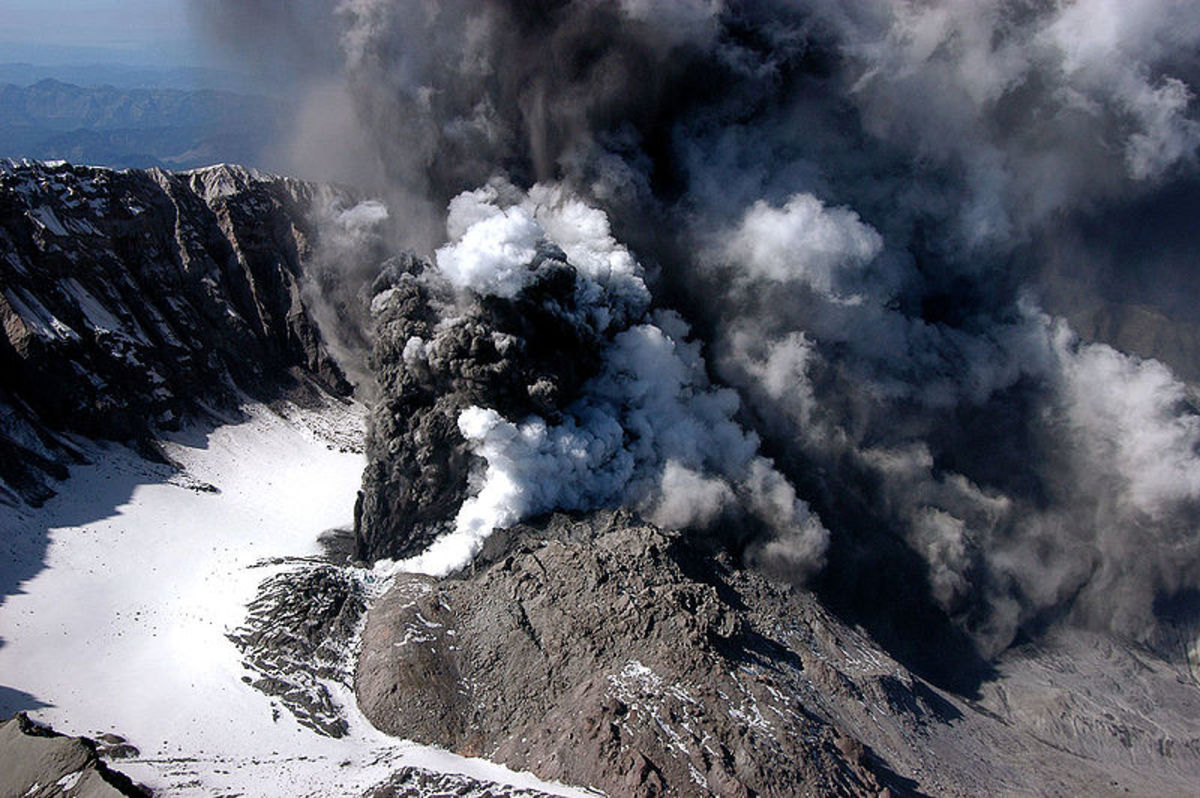 A small explosive eruption of Mount St. Helens on October 1; the first in more than a decadefollowed a week of increasing earthquake activity beneath the volcano and deformation of the lava dome. This eruption sent a steam and minor ash plume to an a