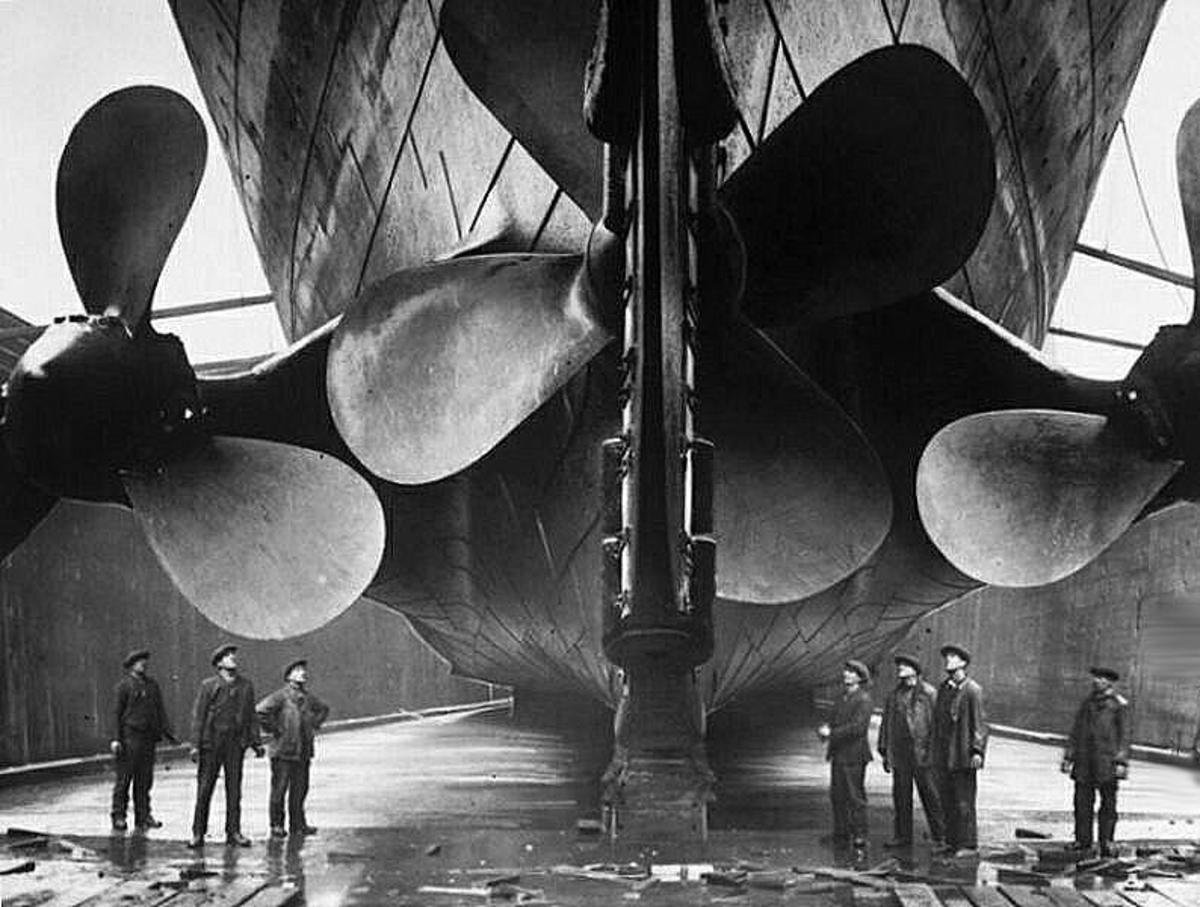 Huge propellers of Titanic