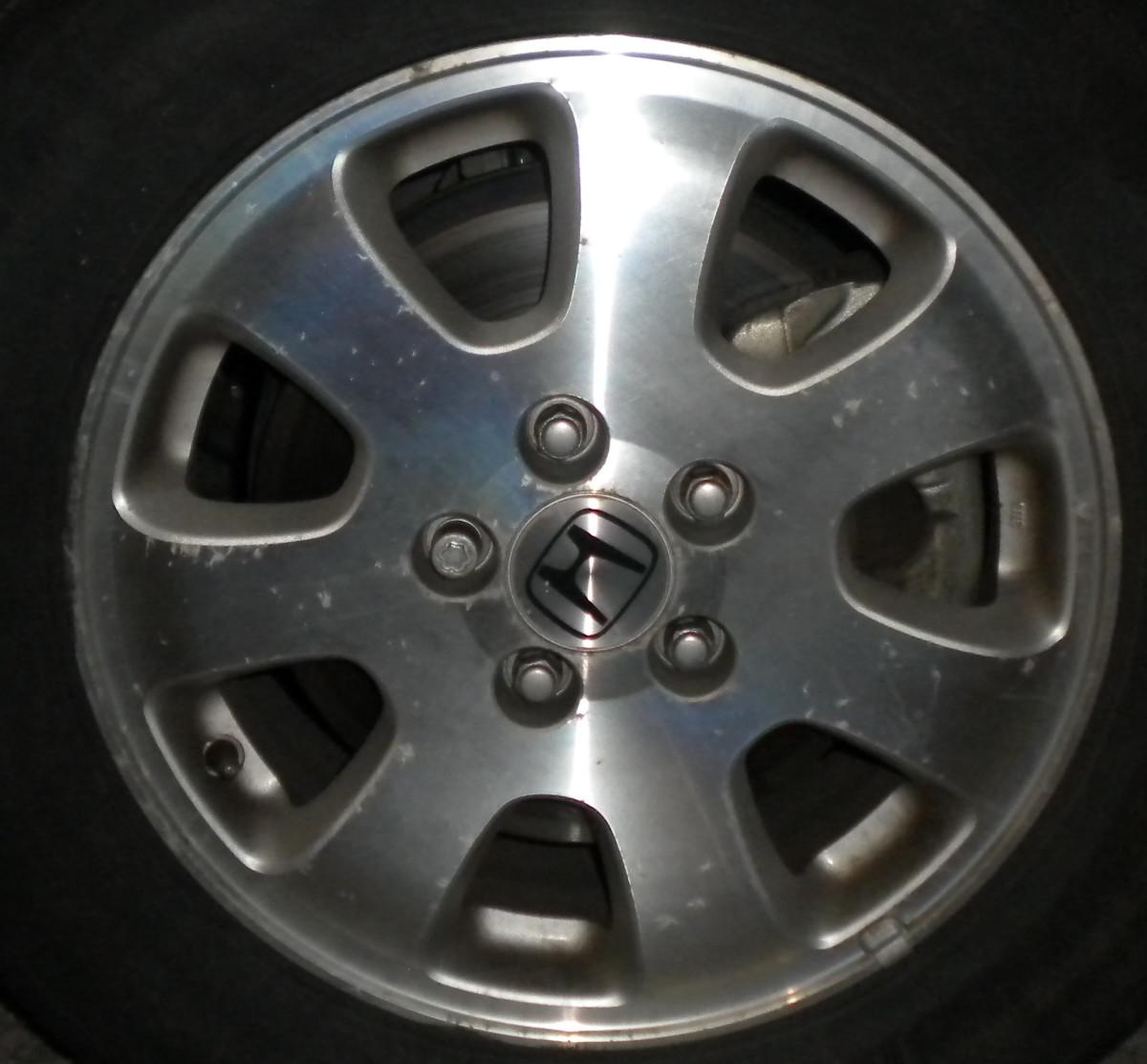The lovely wheel of the Honda Odyssey.