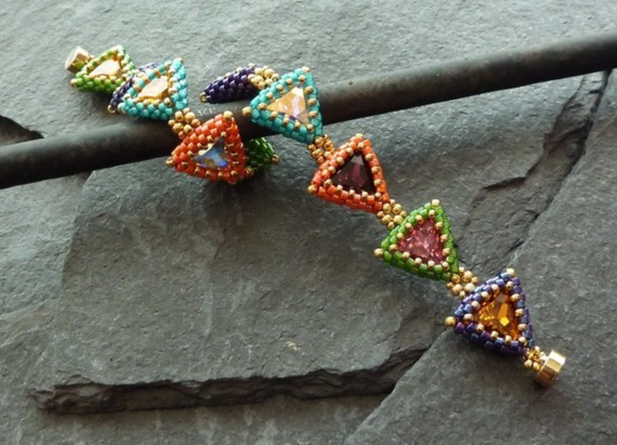 beaded-peyote-triangles-part-ii