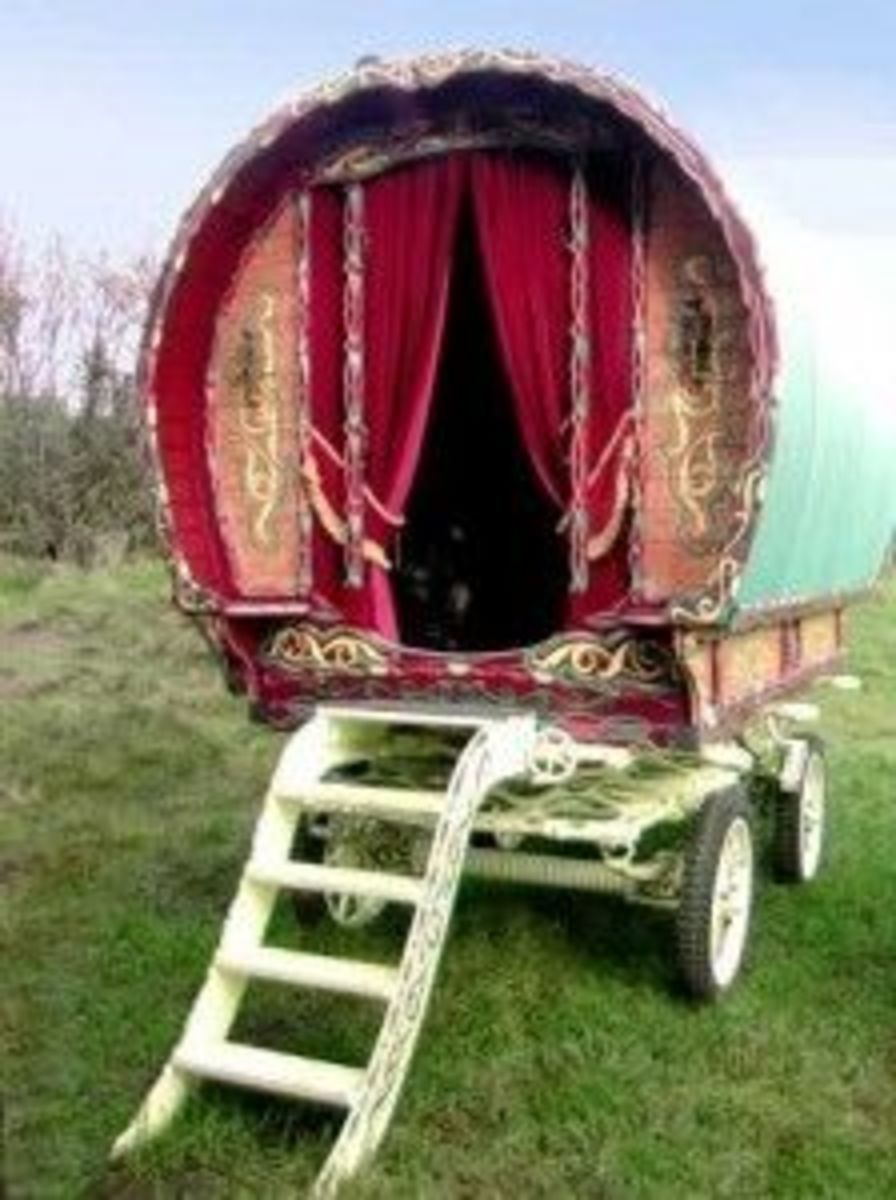 "A ""gypsy"" caravan photo from tinyhouseblog, click the pic to follow the link"