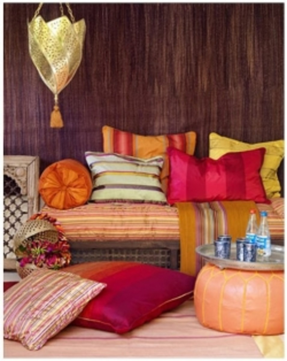 Moroccan style room, click to follow the link to Inspiration for the Home Blogspot
