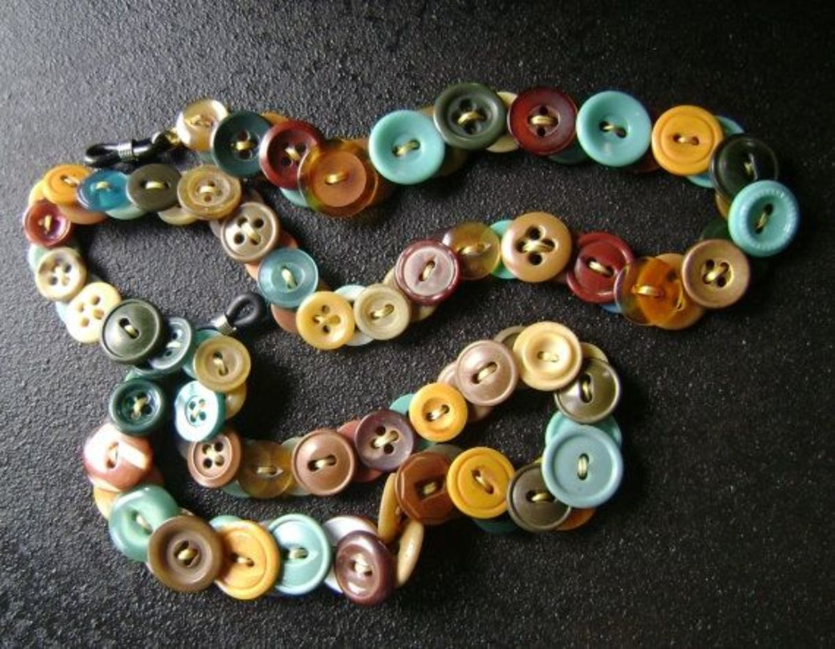 Glasses chain made from vintage buttons by MRSButtons. See the link below for her Etsy shop.