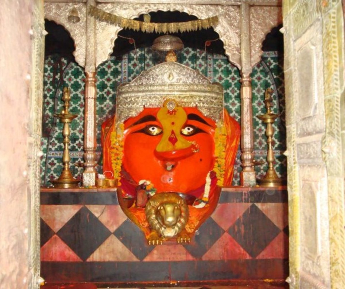 Temple of Goddess Renuka at Mahurgadh, Maharashtra