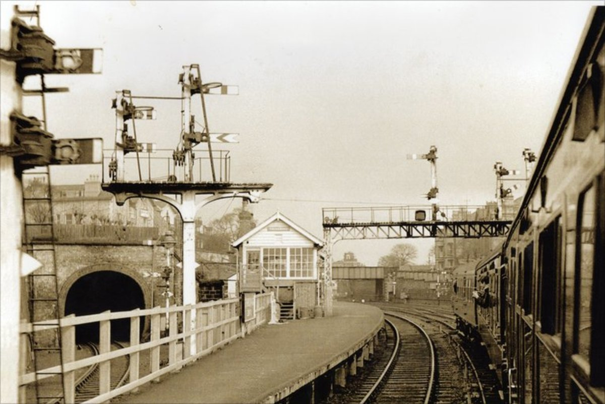 This is the same place in the 60's with steam still supreme - Falsgrave also controlled access from the Whitby branch (through the tunnel on the left). Beyond the tunnel was Gallows Close Yard with its own box that also controlled the Whitby branch