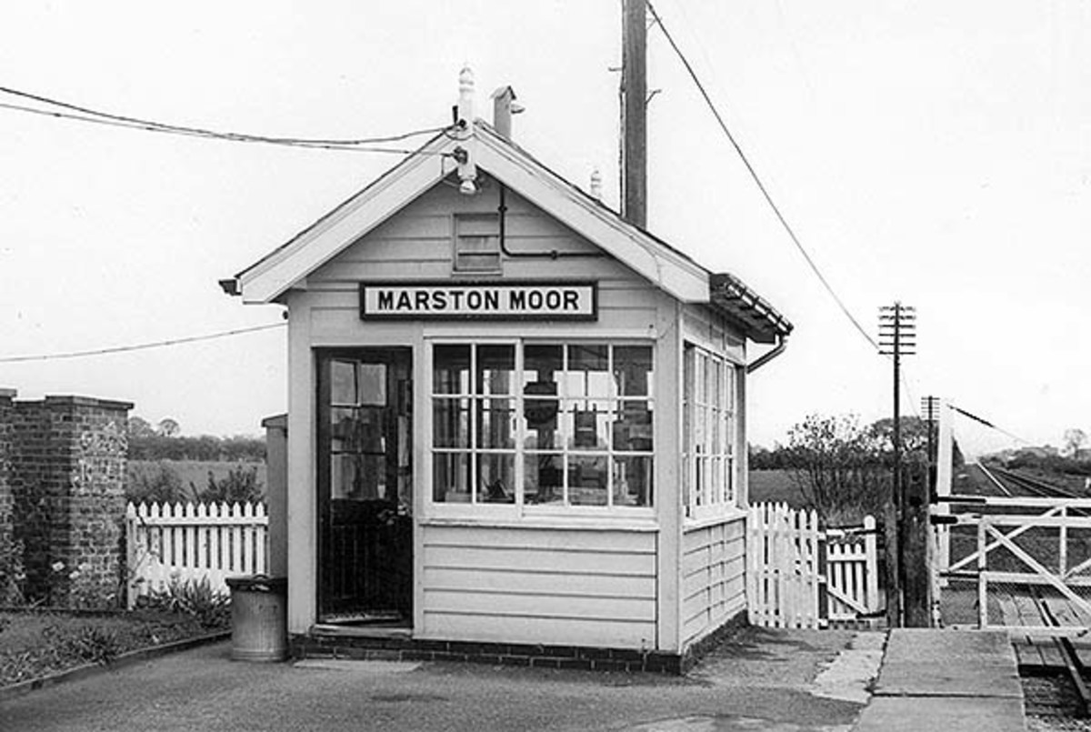 Marston Moor platform signal cabin (demolished) near the East Coast Main Line
