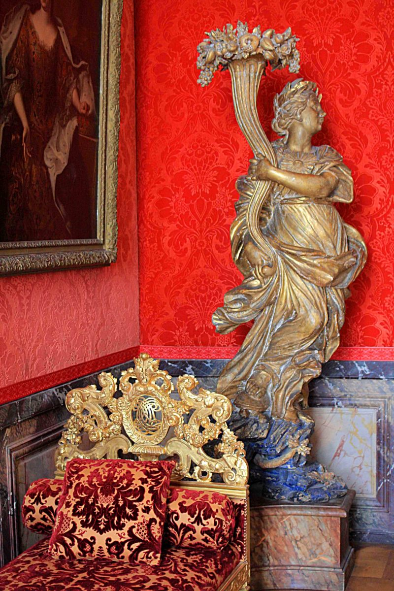 Paintings, furnishings and sculpture, all have much to offer at Versailles