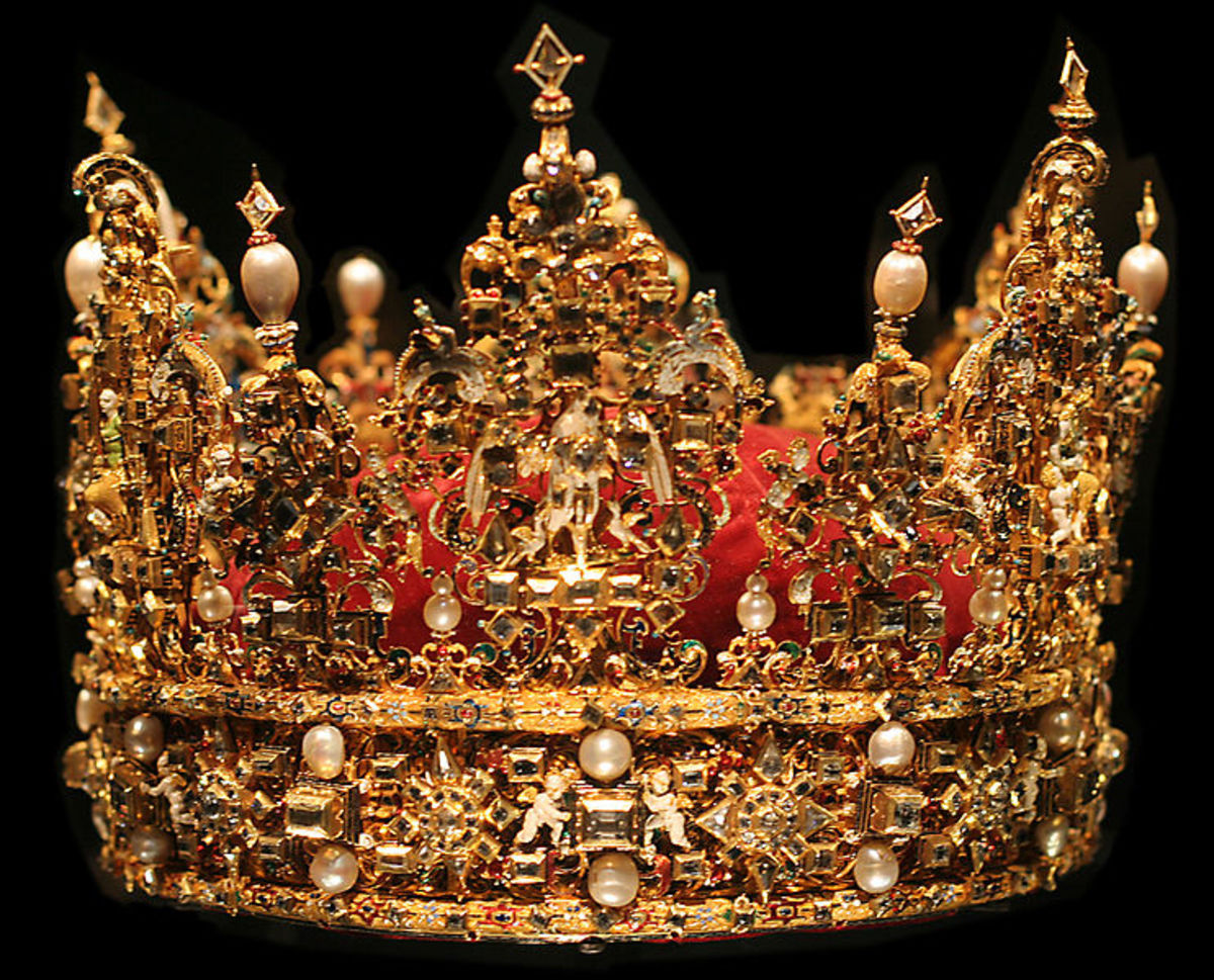 The crown of King Christian IV of Denmark. This is how a good crown should look like. Image credit: Ikiwaner via Wikimedia Commons