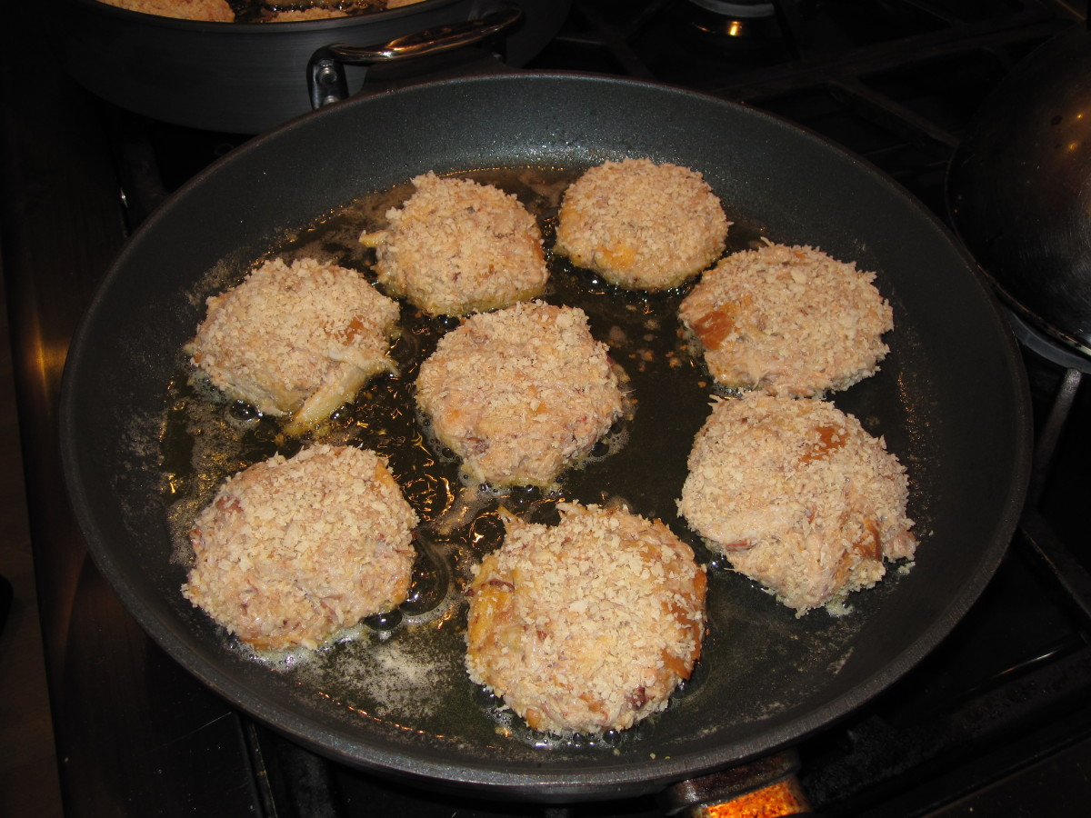 Crab cakes make a great appetizer course.