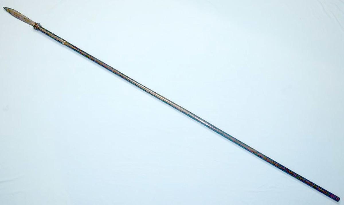Blowgun with bayonet-like iron lance