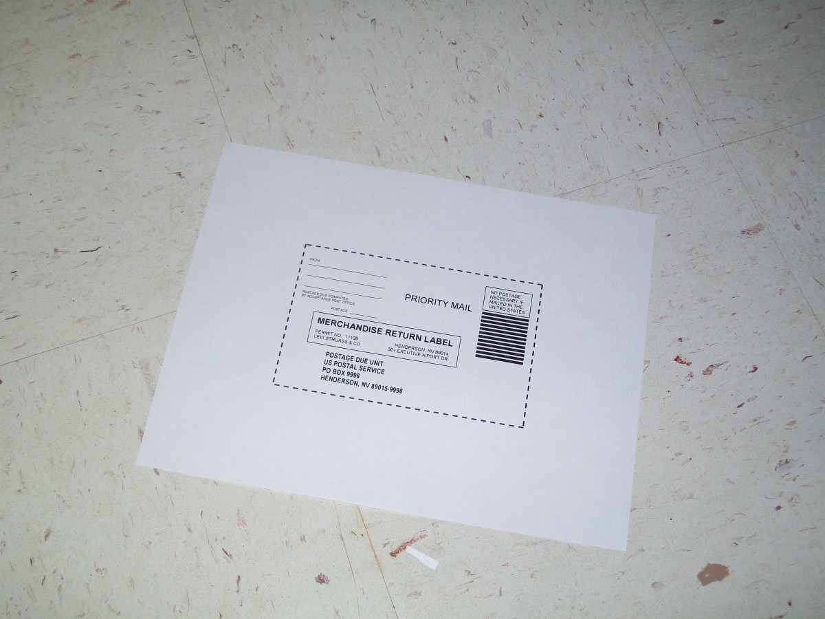 the shipping label comes up as a PDF and prints quick and easily