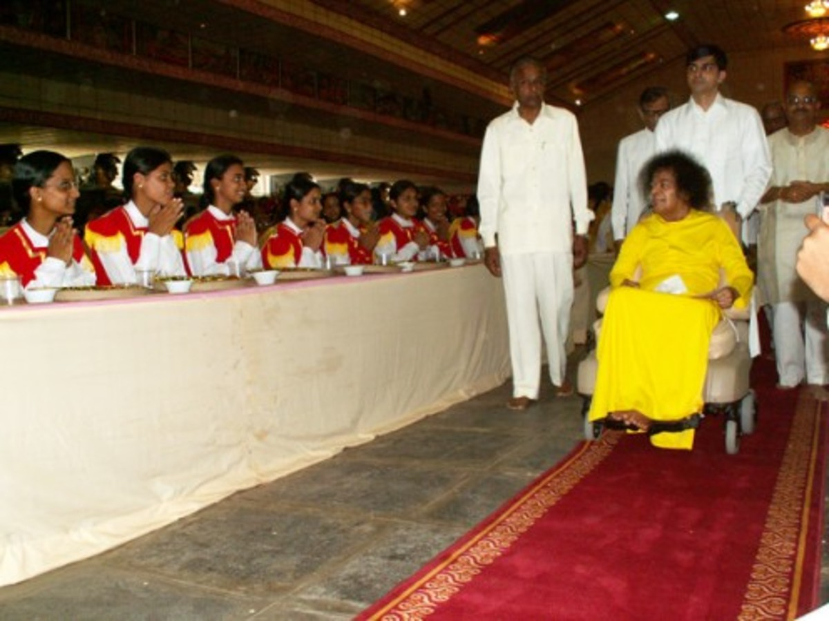 The students from the Women's campus (Anantapur) being blessed during the banquet session.