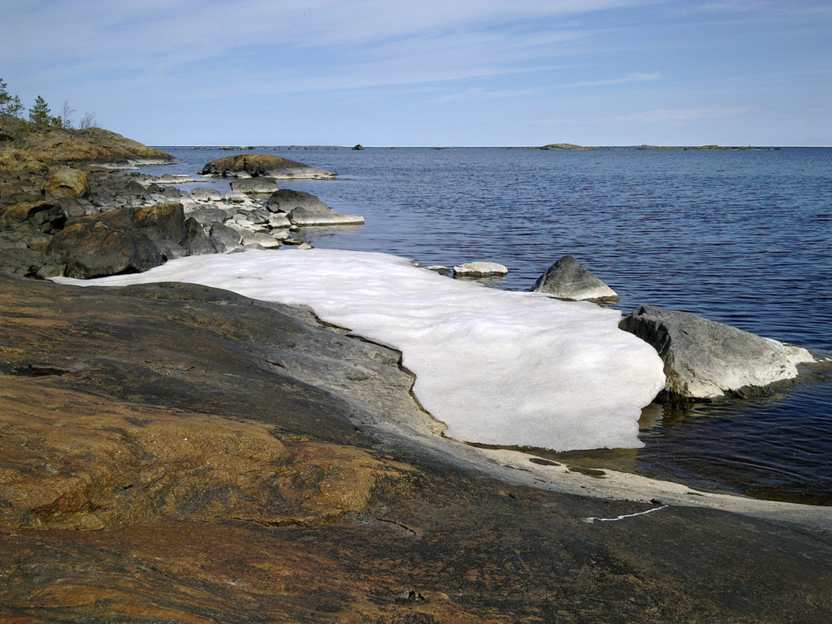 Winter releases its hold, the last of the ice and snow leave the shores of the Gulf of Bothnia between Finland and Sweden. Time to think about getting underway again...