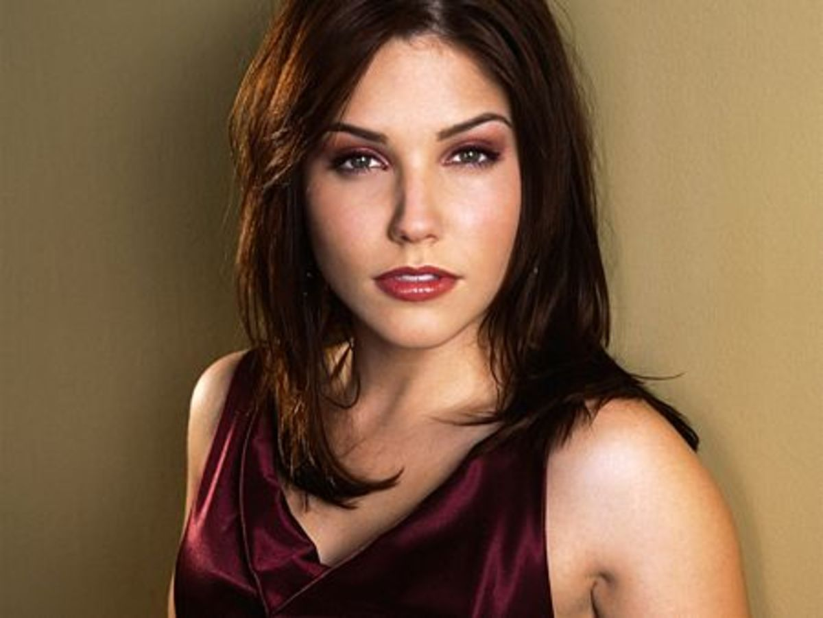 Sophia Bush's Makeup. Makeup for Dark Brown Hair and Green Eyes.