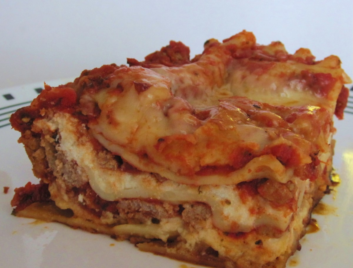 Turkey Lasagna Recipe, Classic Lasagna Using Ground Turkey Instead of Beef.