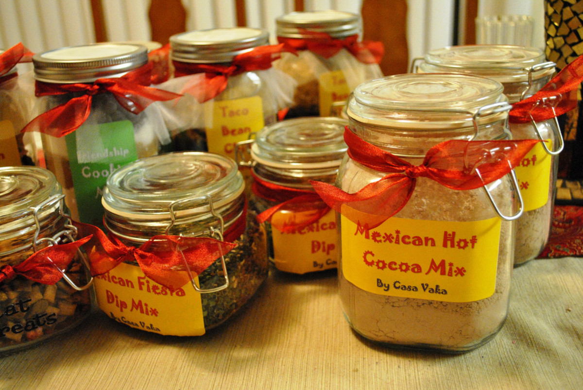 Examples of the many types of food you can make into a gift in a jar.