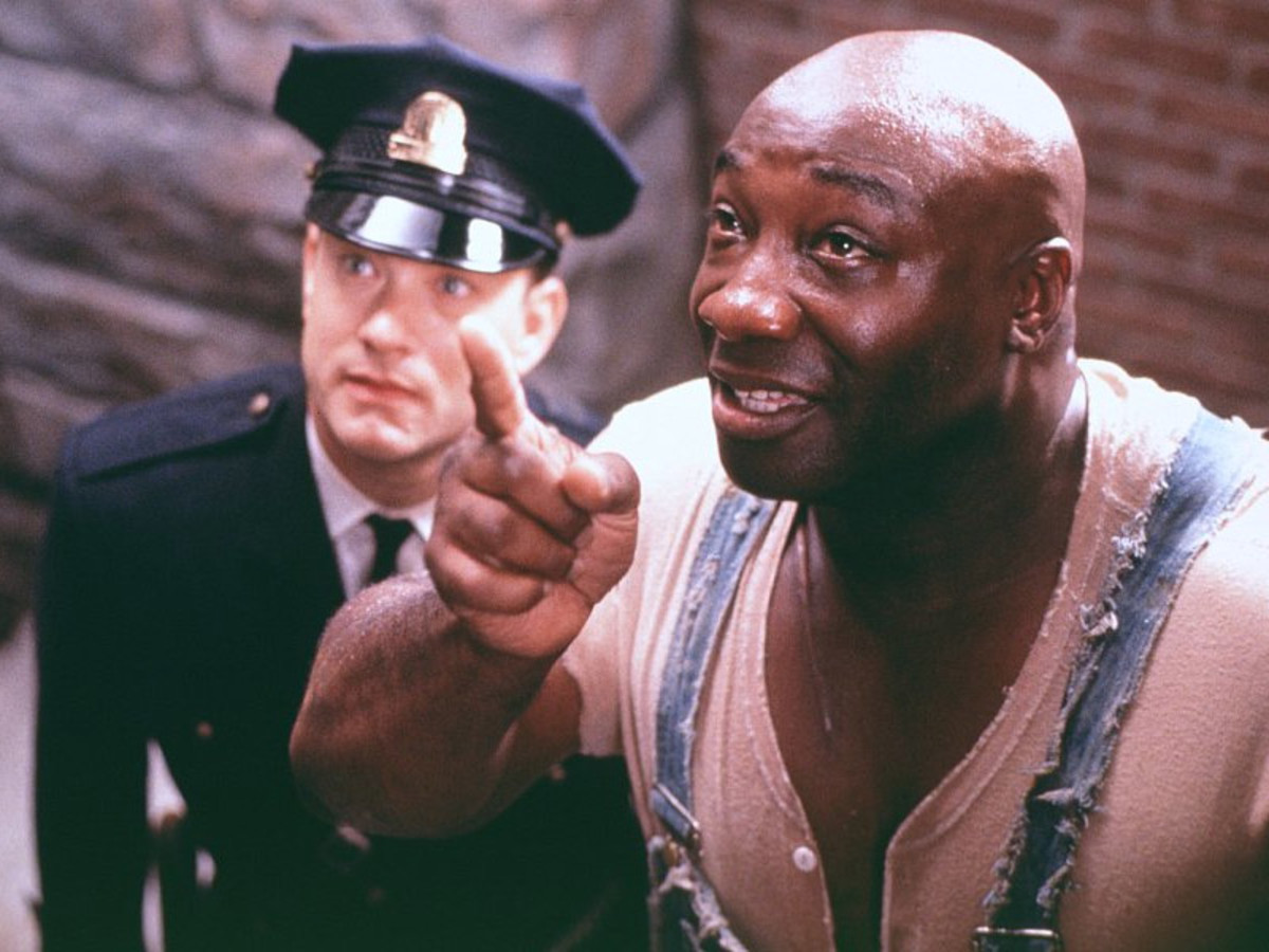 Hanks and Clarke-Duncan - on opposite sides of the law, they are brought together by fate to change lives forever.