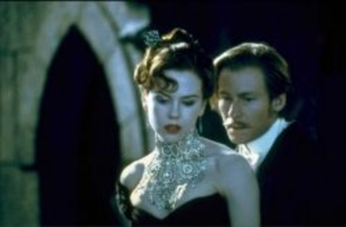 Nicole Kidman as Satine & Richard Roxburgh as Duke Monroth with the Diamond Necklace from Moulin Rouge