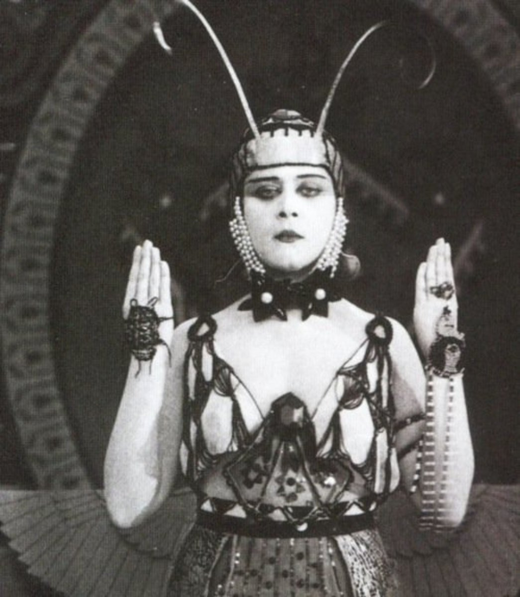 Theda Bara The Vogue Vamp