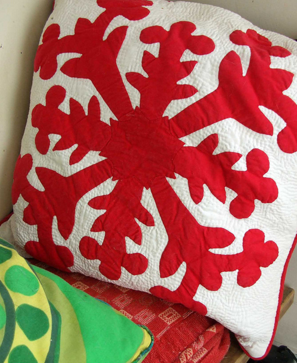 Hawaiian Quilt Throw Pillow