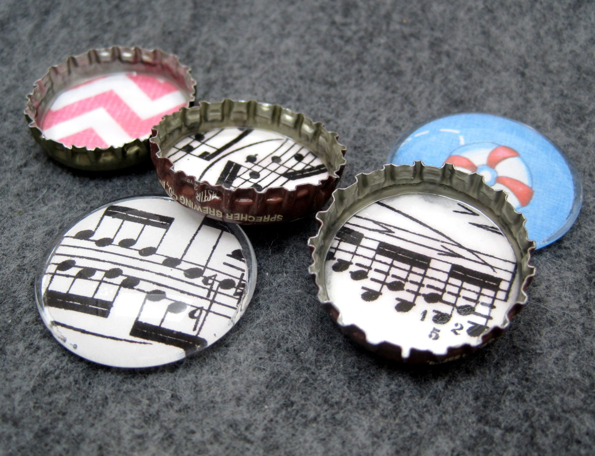 Mix of glass and bottle cap magnets.